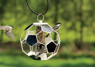 10290 Pinebush Soccer Ball Mixed Seed Feeder Chickadee