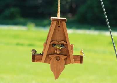 78140 Pinebush Wizard Shape Wood Feeder Finch Grosbeak